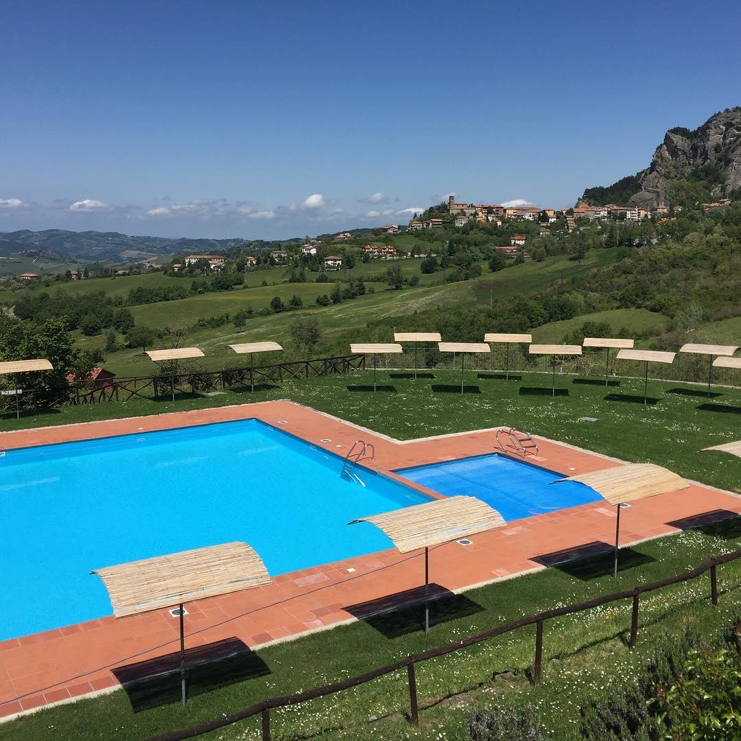 Zwembadje ligt er weer mooi bij! ????